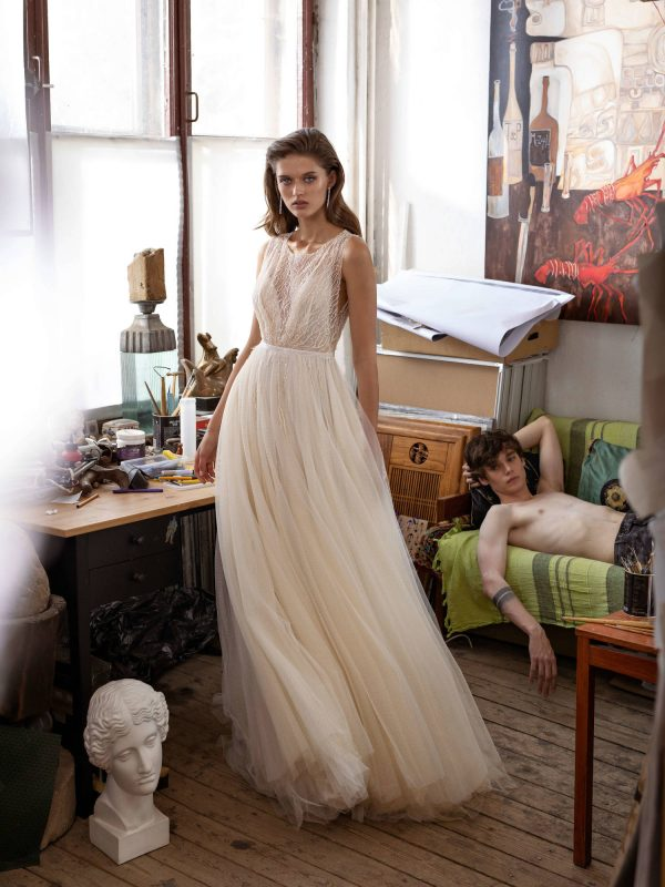 Elegant and delicate wedding dress Leccia from Shine Bright Collection